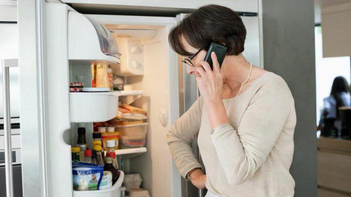Холодильник не морозит, что делать?