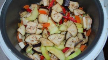 Овощи с кабачками