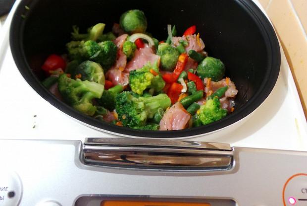 Овощи с брокколи