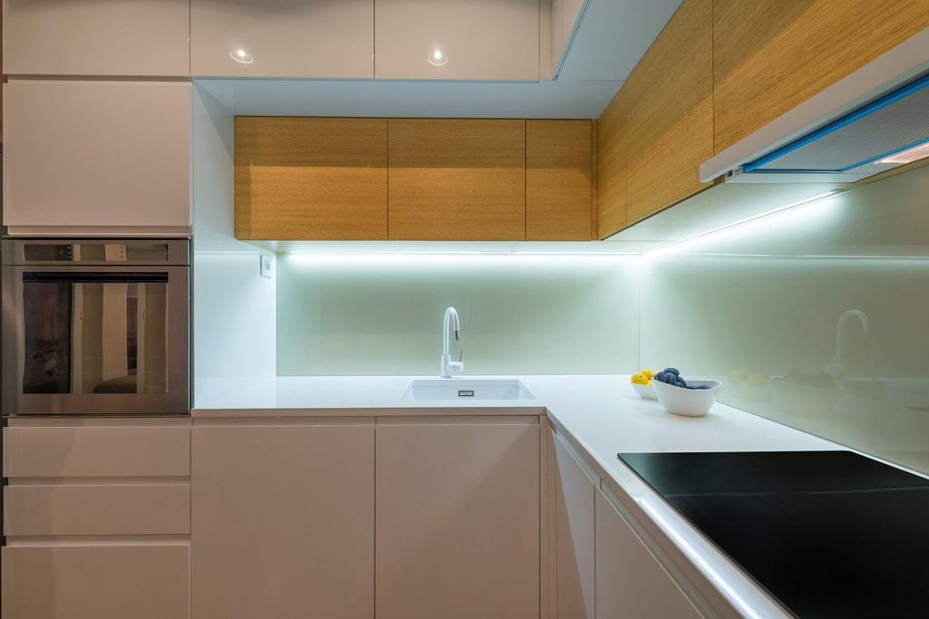 Освещение и подсветка кухни